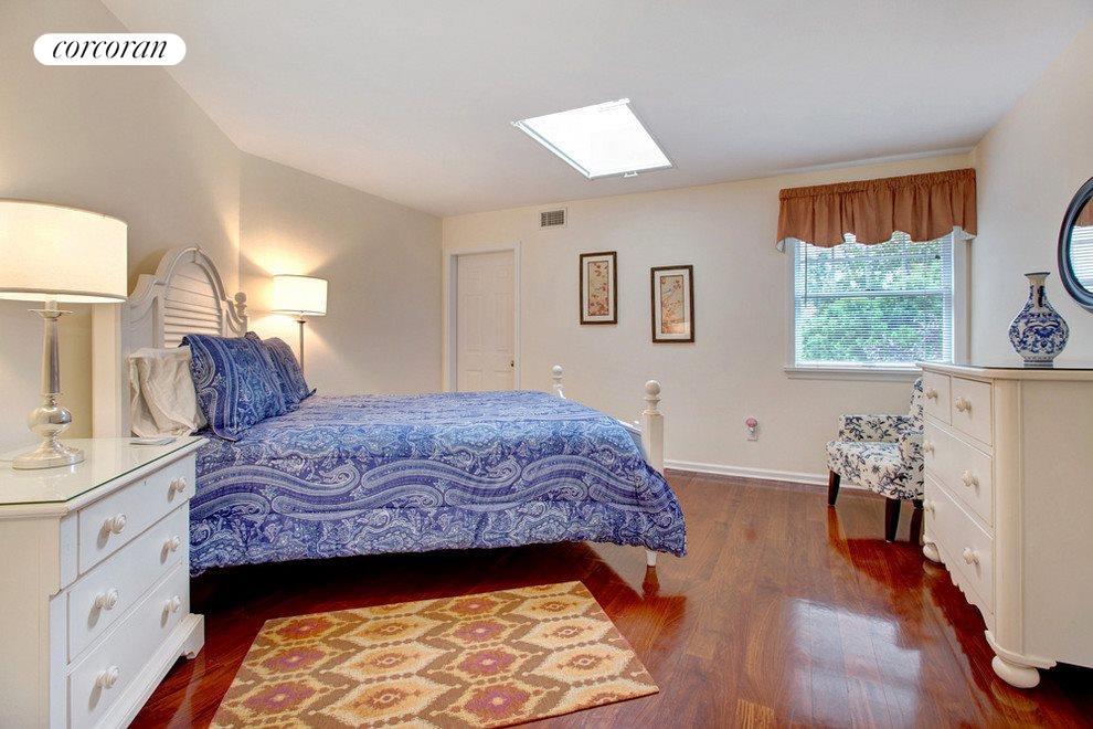 One guest bedroom