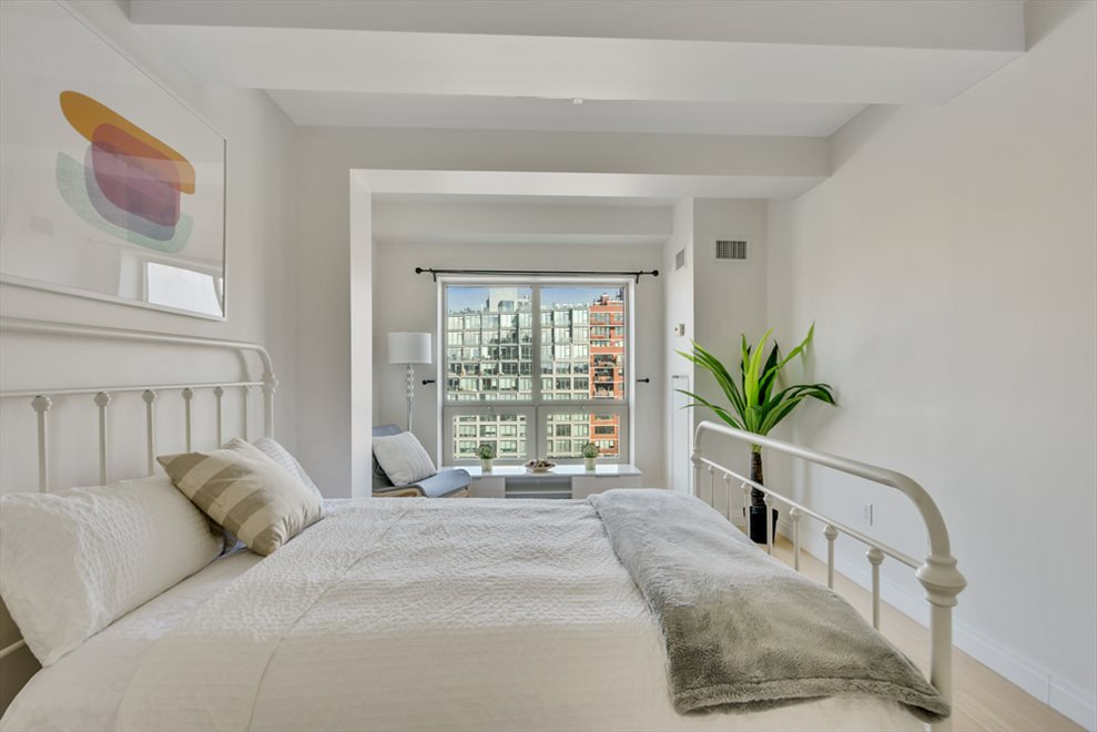 New York City Real Estate | View 2nd Street #8F | room 4