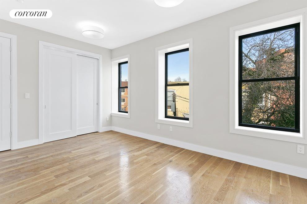 Sunny, large bedrooms!