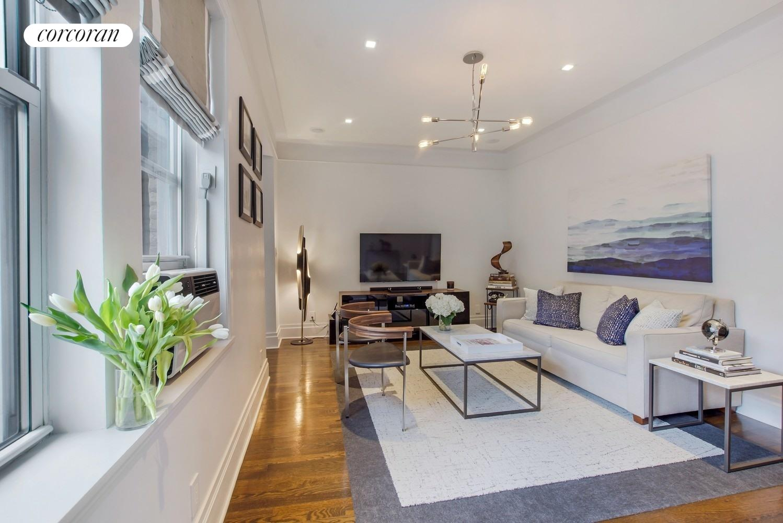 87 Columbia Heights 56 Living Room