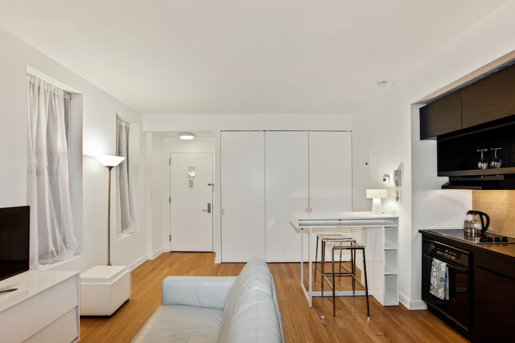 56 Pine Street, 7E, Living Room with ample closet space