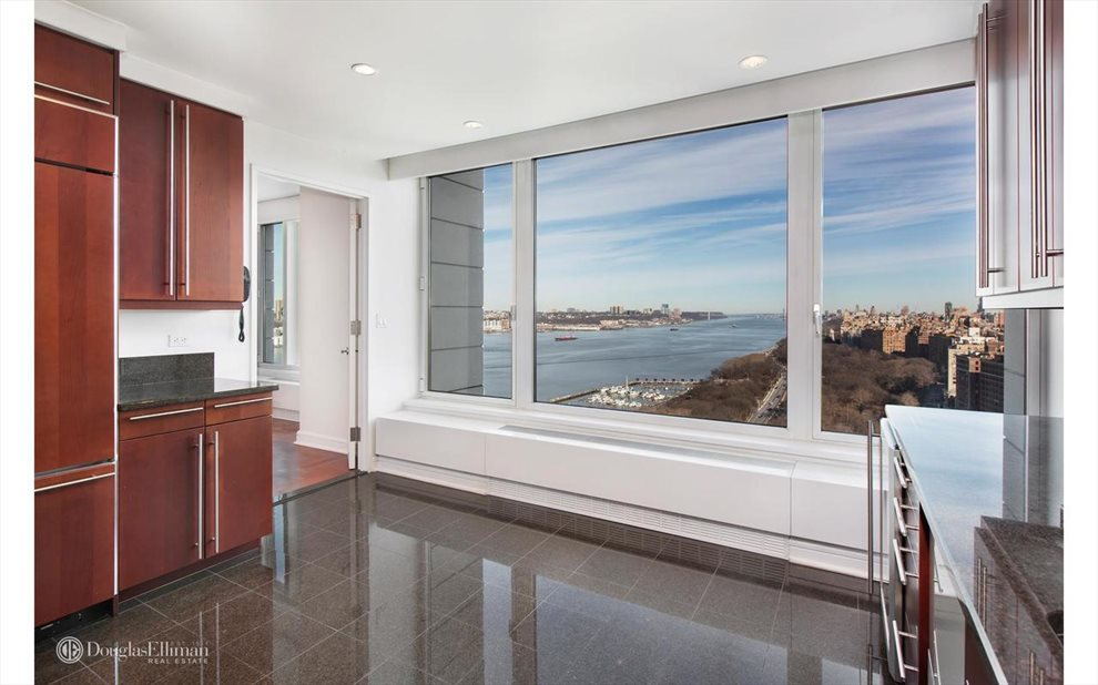 New York City Real Estate | View Riverside Boulevard | room 30