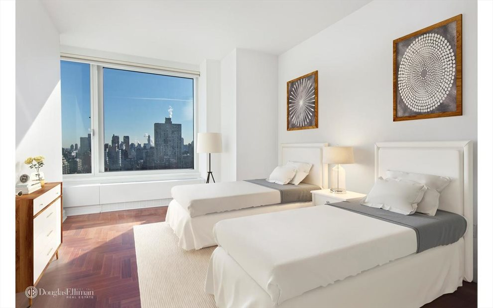 New York City Real Estate | View Riverside Boulevard | room 31