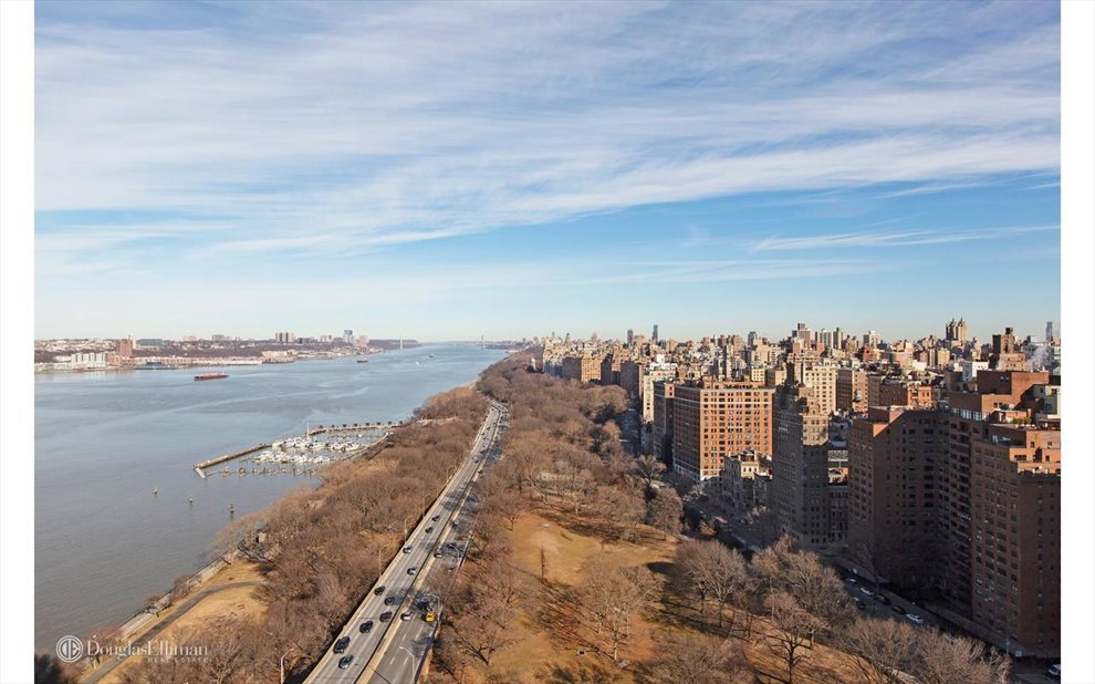 New York City Real Estate | View Riverside Boulevard | room 23