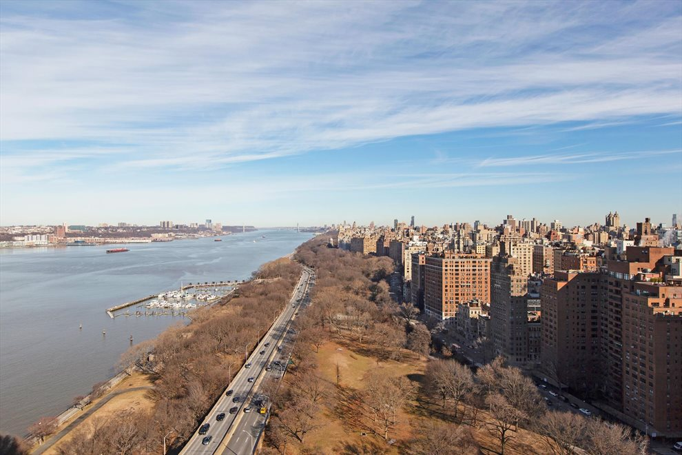 New York City Real Estate | View Riverside Boulevard | room 2