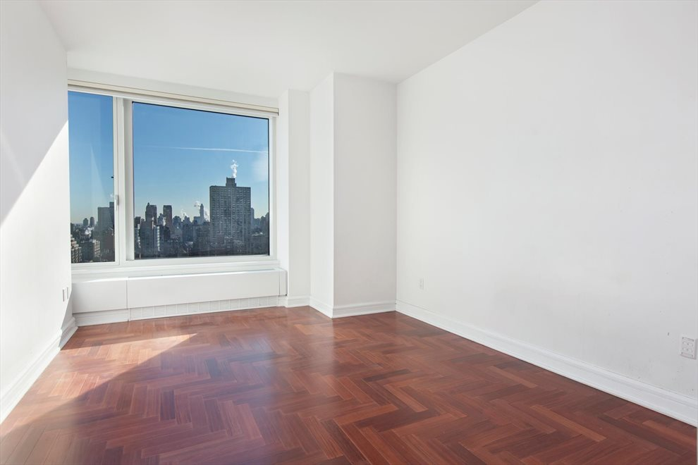 New York City Real Estate | View Riverside Boulevard | room 10