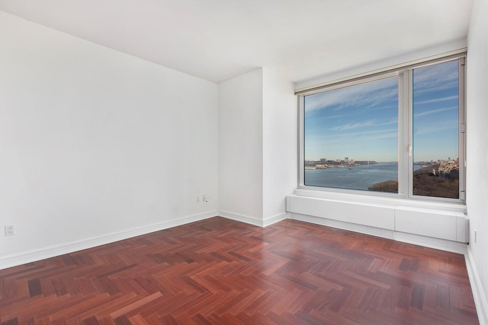 New York City Real Estate | View Riverside Boulevard | room 14