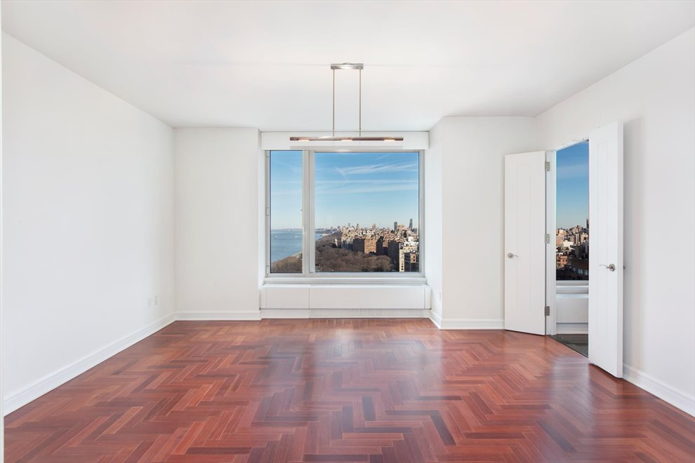 New York City Real Estate | View Riverside Boulevard | room 15