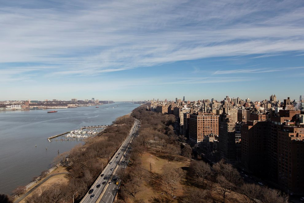 New York City Real Estate | View Riverside Boulevard | room 17