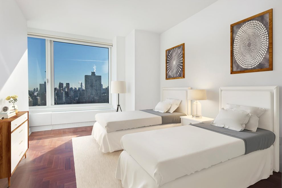 New York City Real Estate | View Riverside Boulevard | room 22