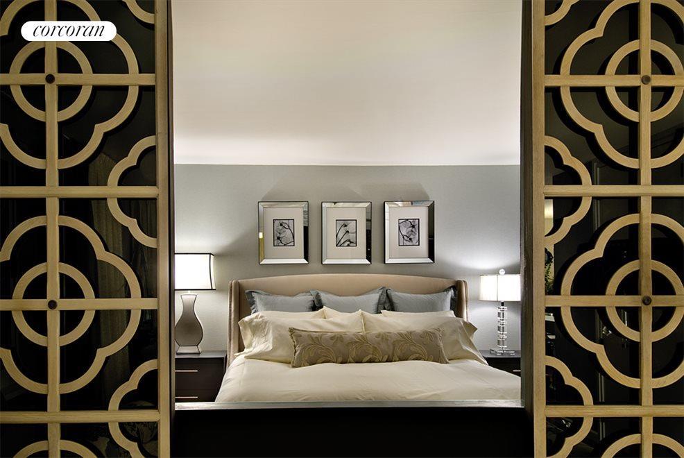 Glamorous  Bedroom with En-Suite Bath