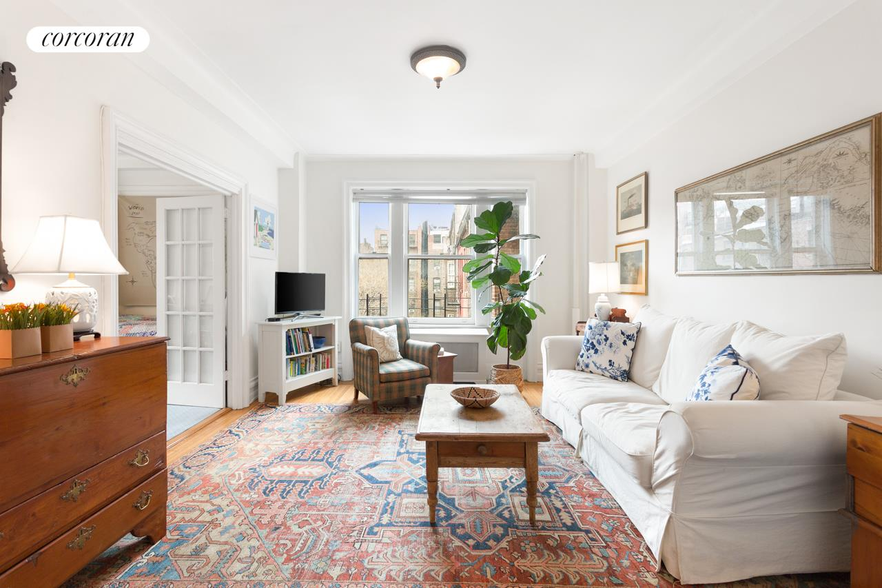 40 West 84th Street, 4C, Bright!