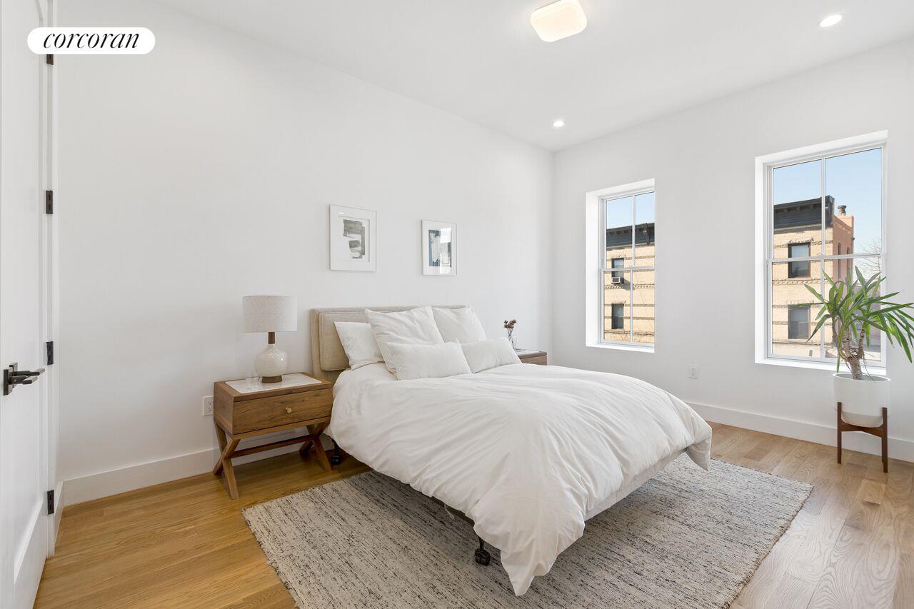 93 Saratoga Avenue Living Room