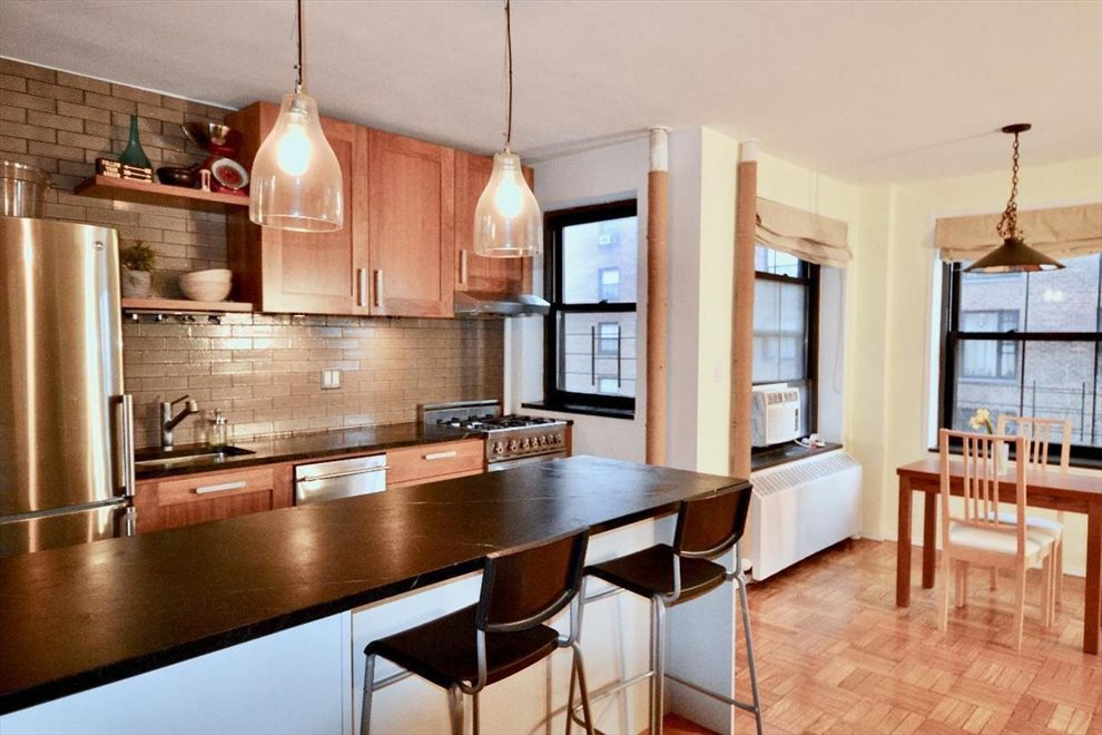 New York City Real Estate | View Clinton Avenue | room 3