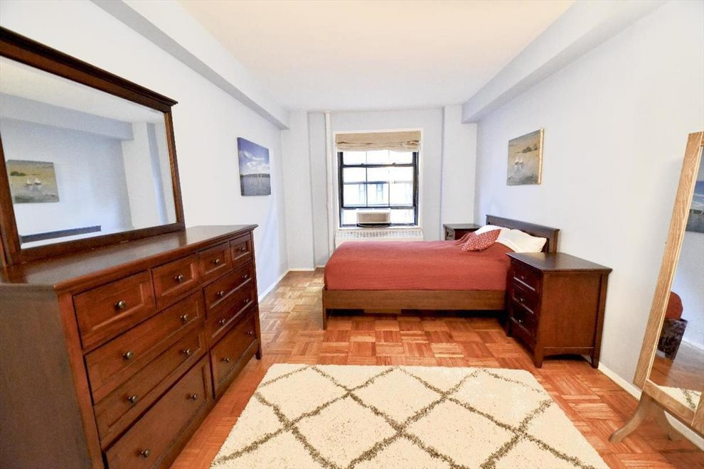 New York City Real Estate | View Clinton Avenue | room 5