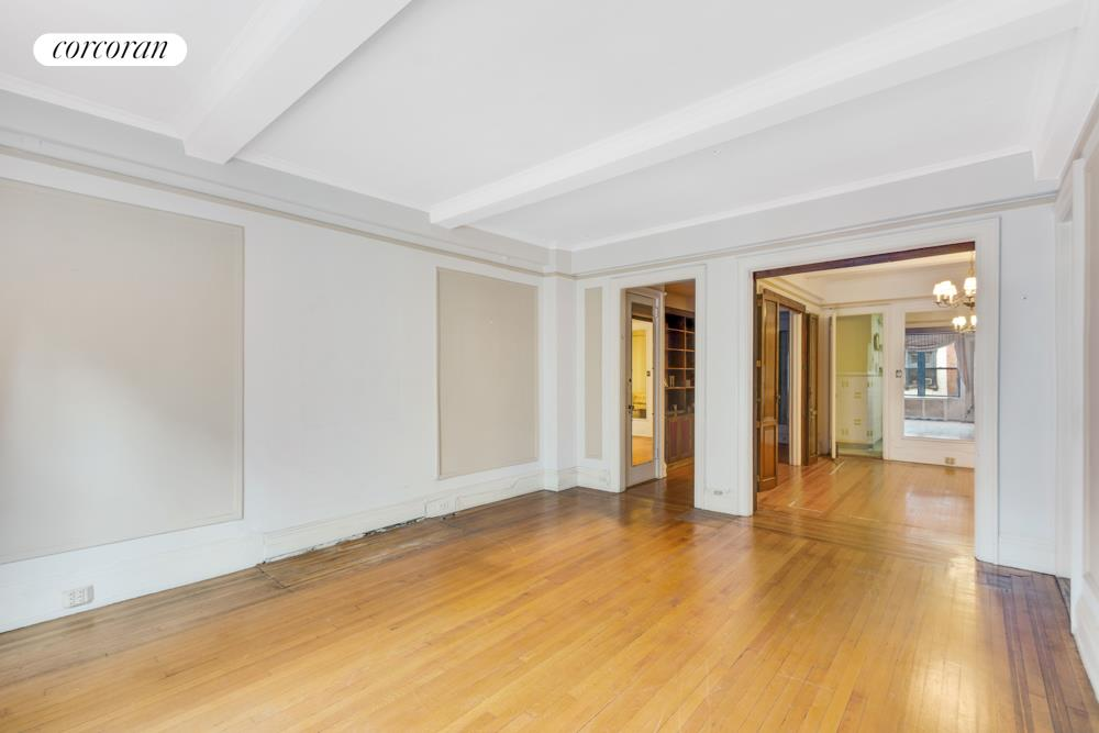 138 East 36th Street, 4A, Gracious and Spacious Pre-War Living