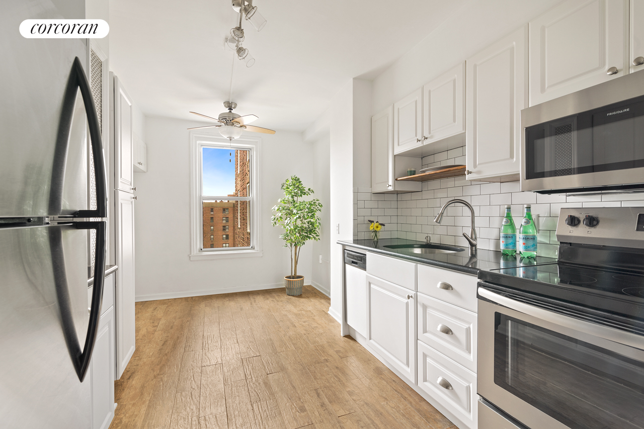 181 73rd Street, 452, RENOVATED WEST-FACING EAT-IN KITCHEN