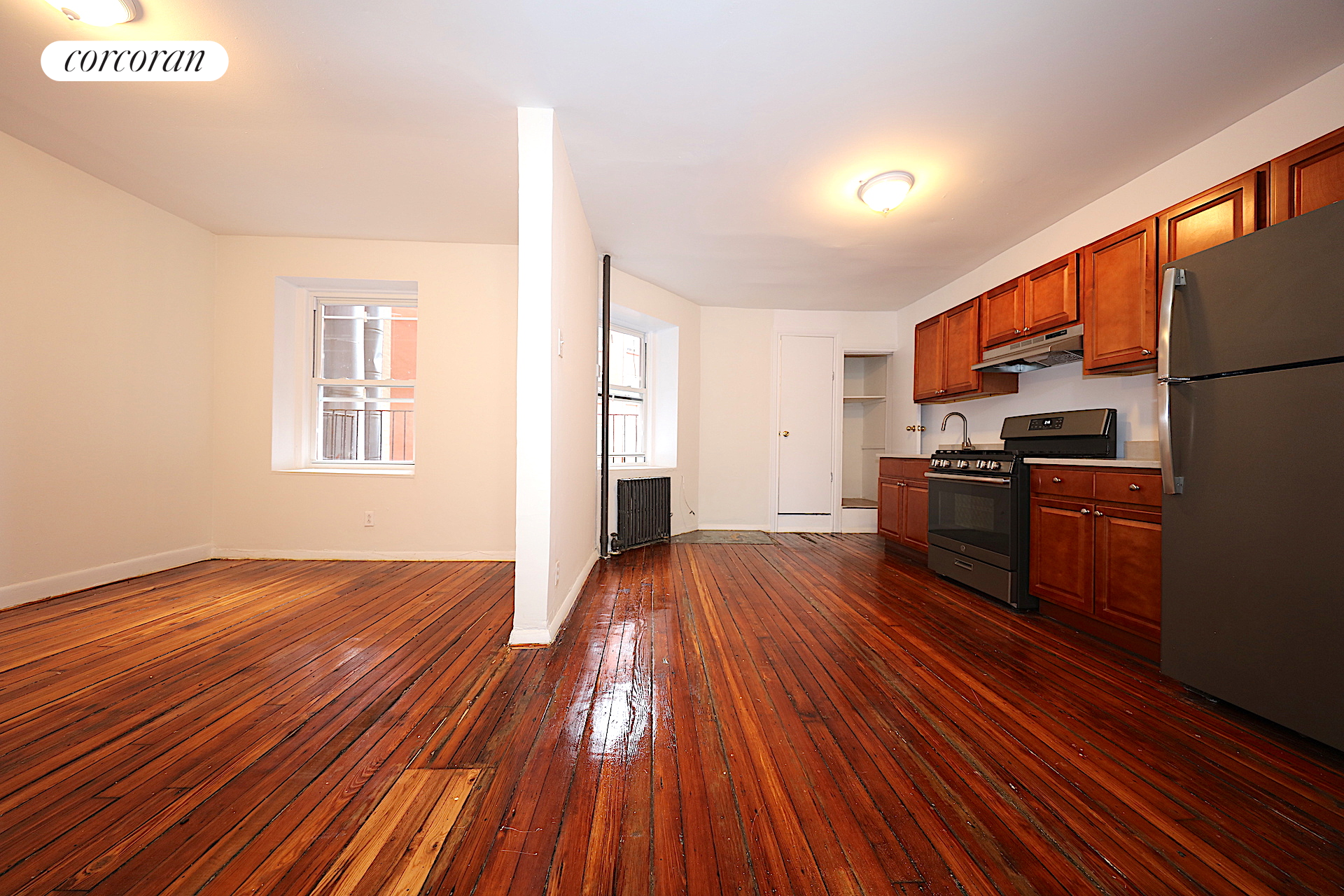 186 Franklin Street, C10, Kitchen