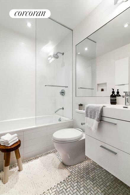 Master bedroom ensuite spa bathroom.