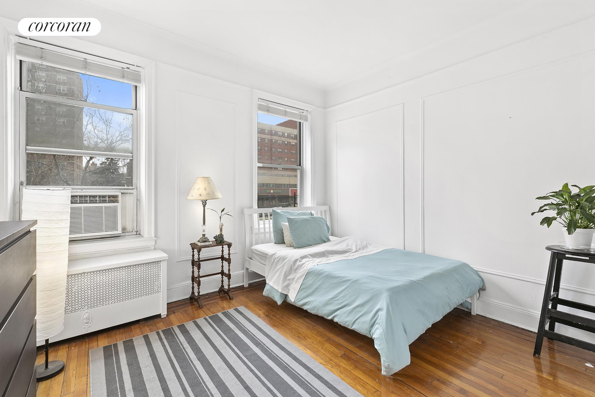 59-11 Queens Boulevard, 3D, Corner king size master with southern exposure