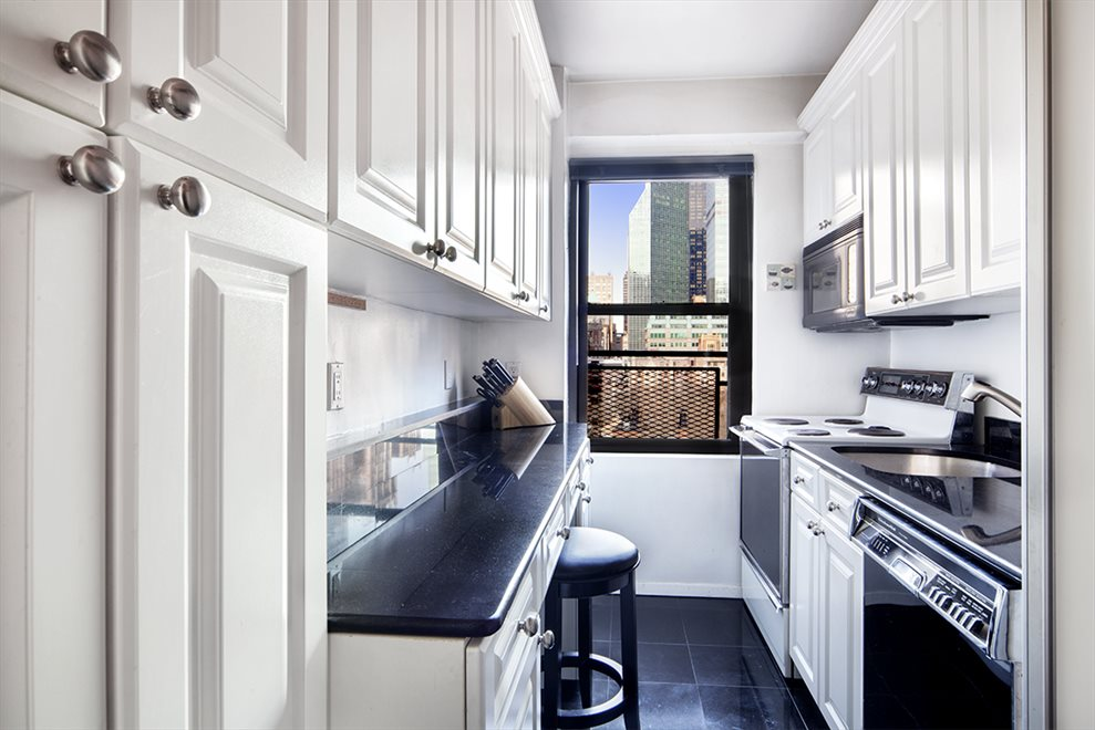 New York City Real Estate | View Tudor City Place | room 1