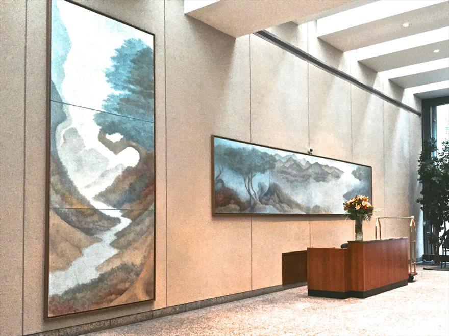 Colonnade lobby