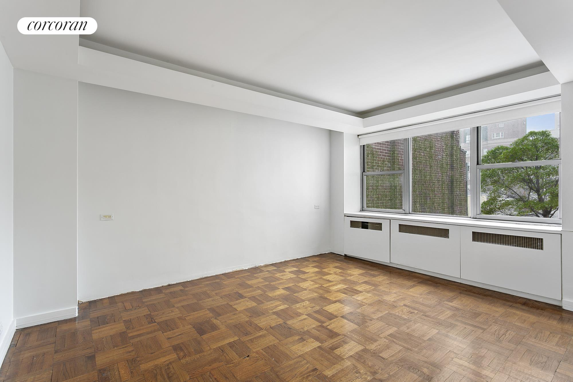 45 East 72nd Street, 8A, Large Gallery leading to a spacious Living Room