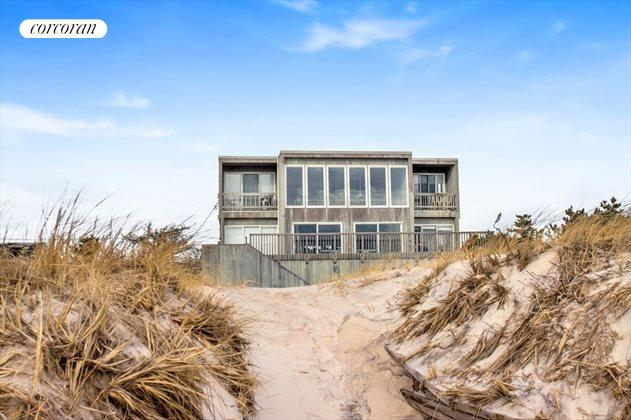 23 Dune Road, East Quogue