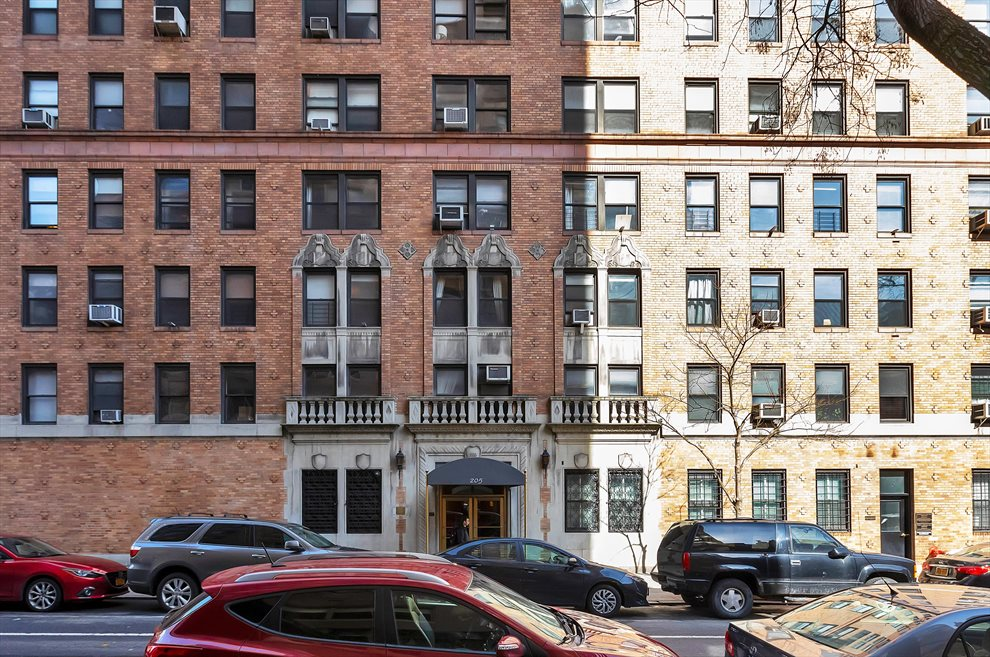 New York City Real Estate | View 205 East 78th Street, #18D | room 15