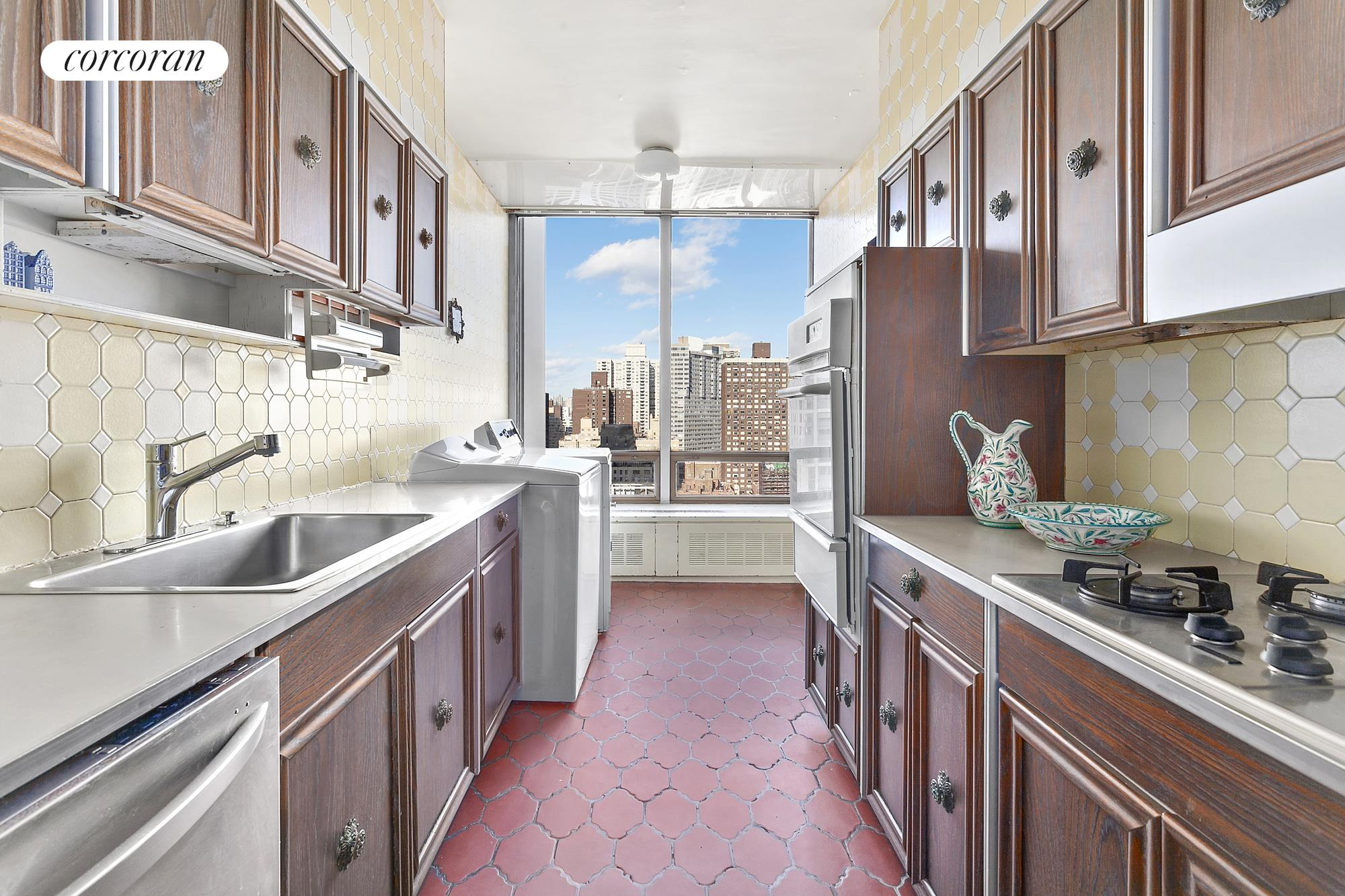 860 United Nations Plaza, 25B, Expansive Corner Living Room with East River Views