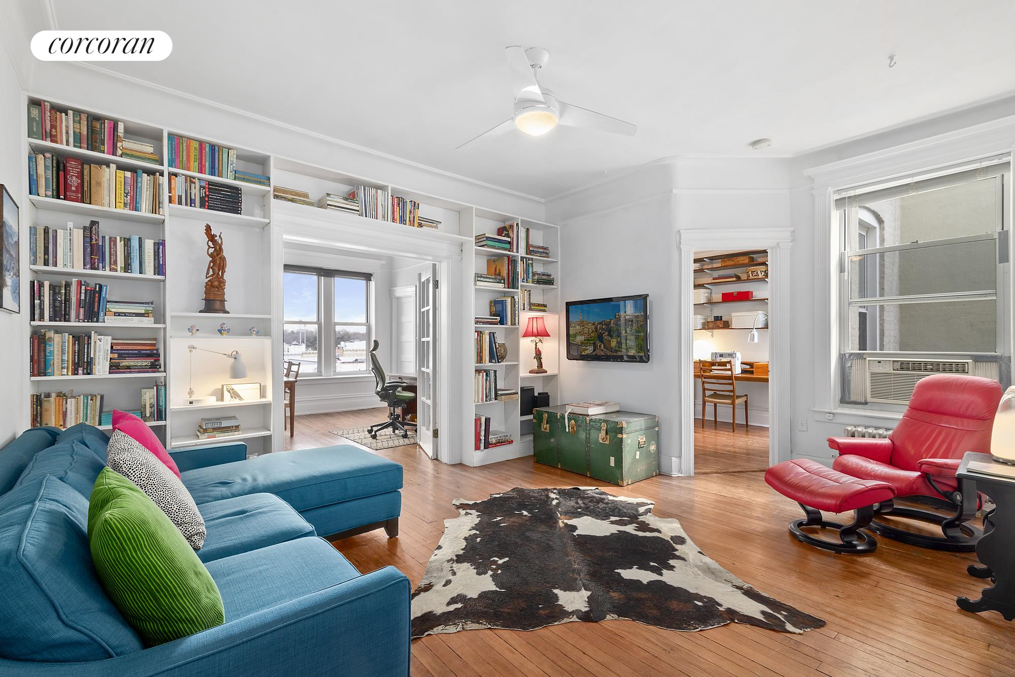 546 40th Street, P, Gorgeous living room with built-in bookshelves