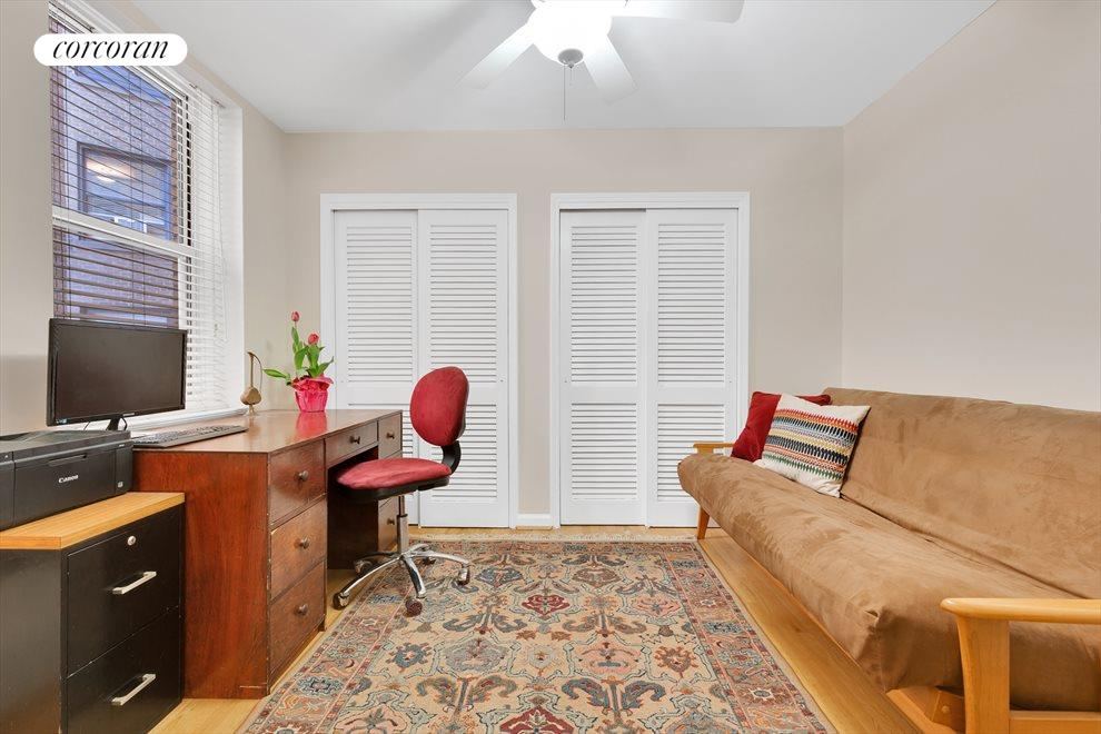 Guest room has great closet space