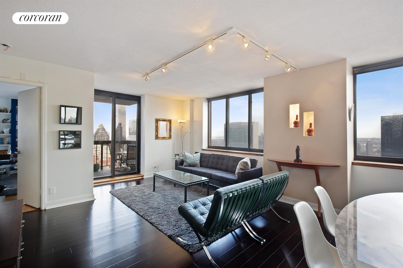 250 East 40th Street, 45C, Living Room