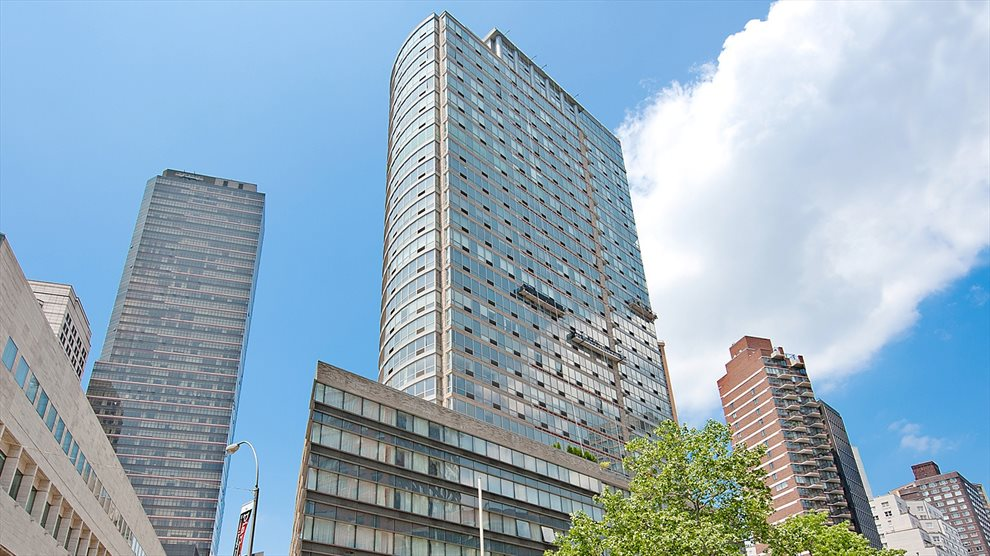 New York City Real Estate | View 1965 Broadway, #PH2B | room 18
