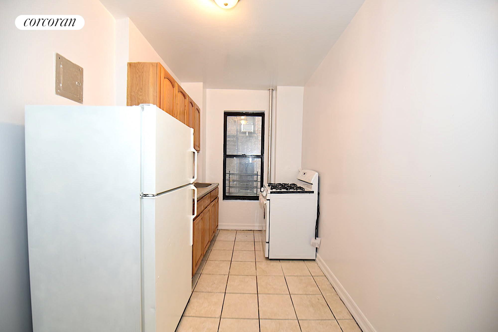 2442 Morris Avenue Interior Photo