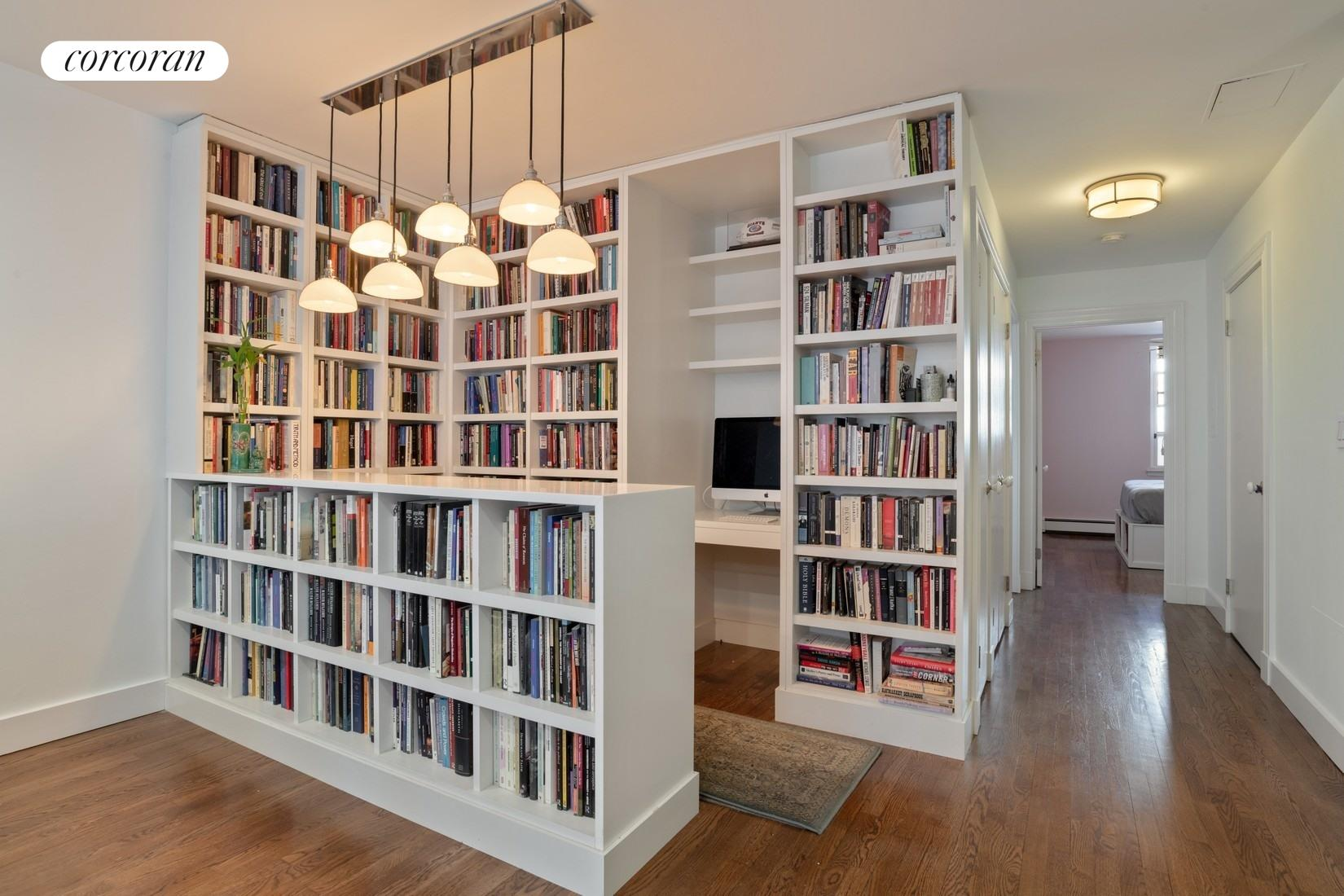 118 Union Street, 9A, Office/Library or Dining nook