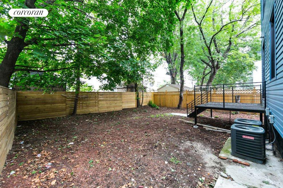 Shared sprawling backyard
