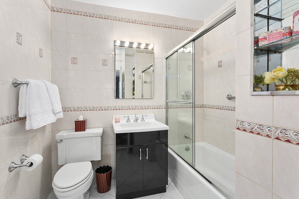 Large, renovated bathroom
