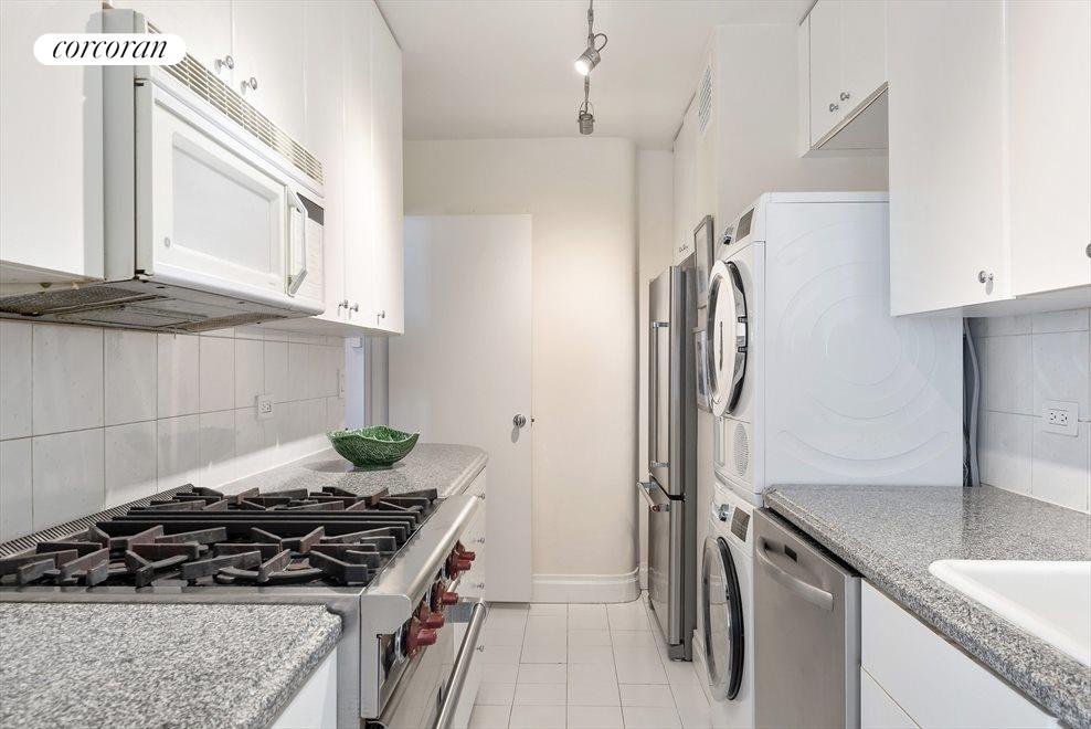 Large Kitchen has a Washer/Dryer