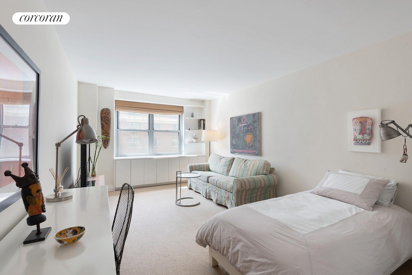 525 East 86th Street, 14H, Oversized, Bright Living Room