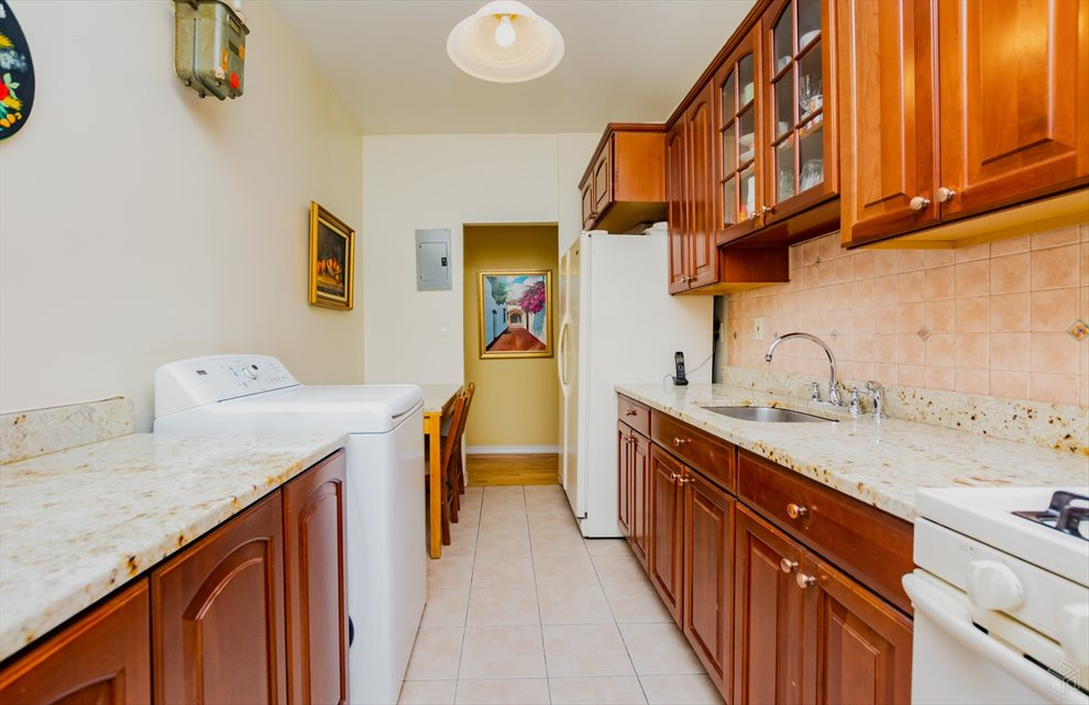 New York City Real Estate | View West 179th Street | room 5