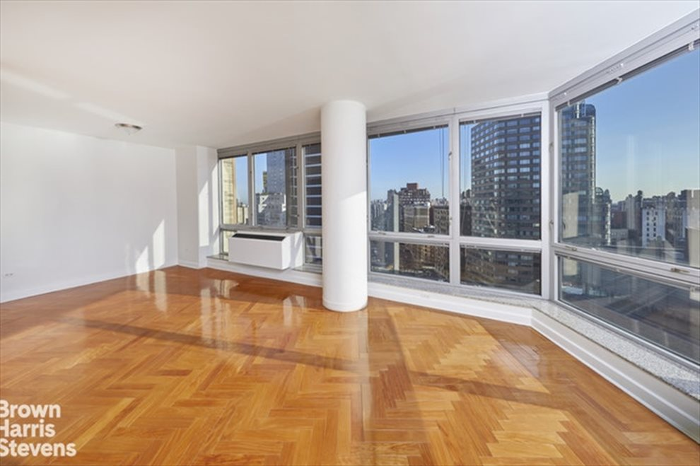 New York City Real Estate | View Broadway | room 3