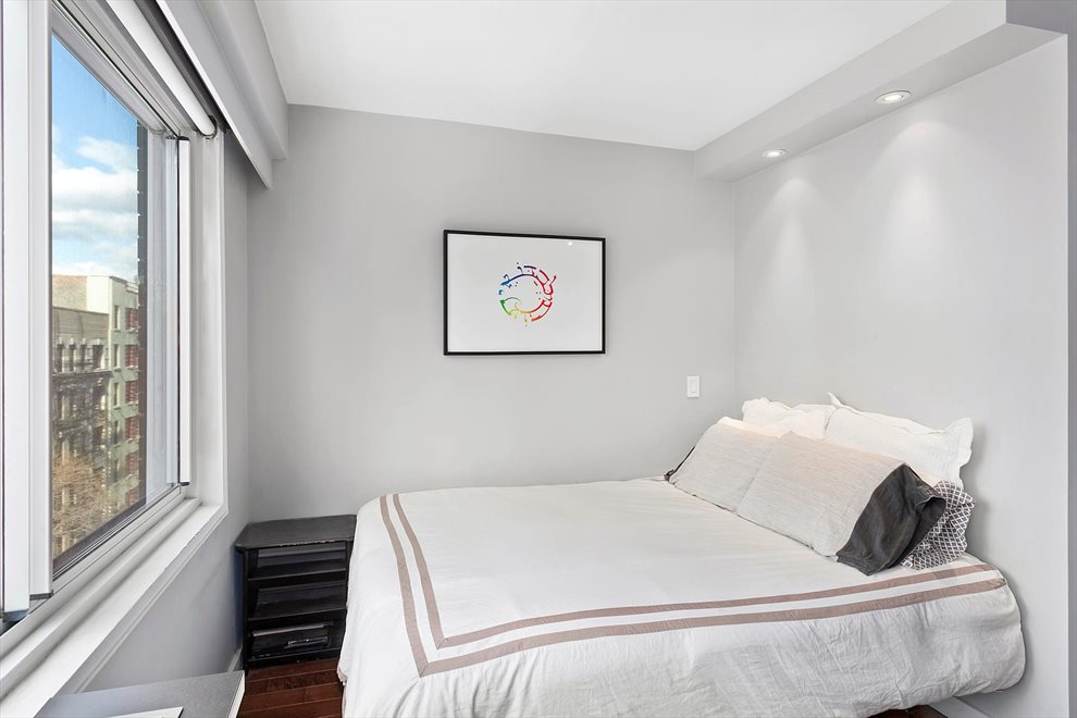 New York City Real Estate | View West 21st Street | room 2