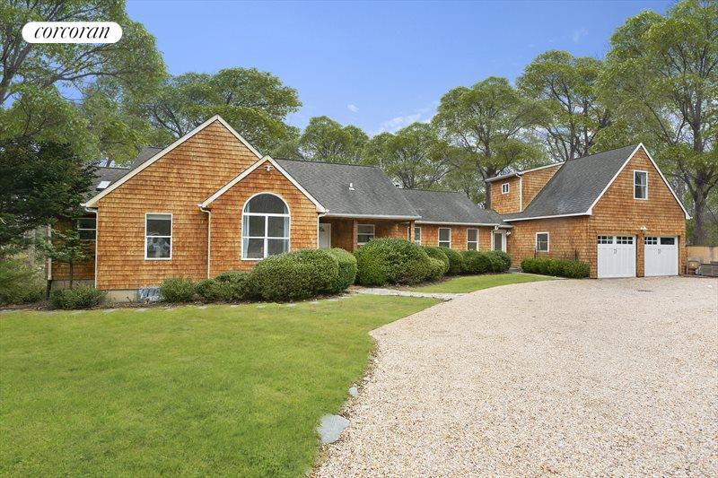 4 Winterberry Lane, East Hampton