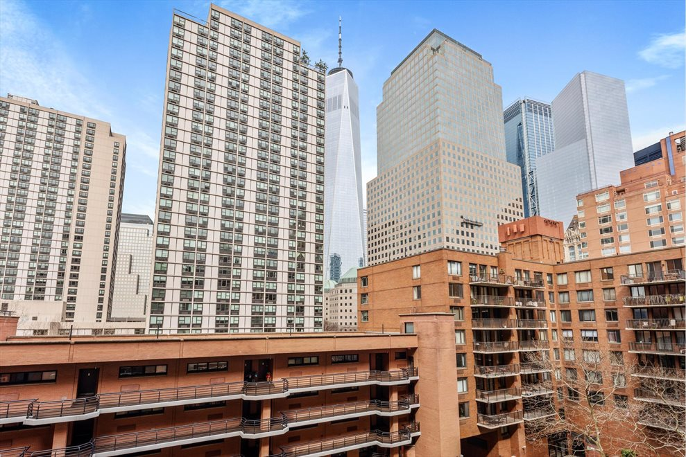 New York City Real Estate | View Rector Place | room 1