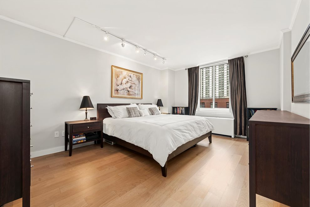 New York City Real Estate | View Rector Place | room 5