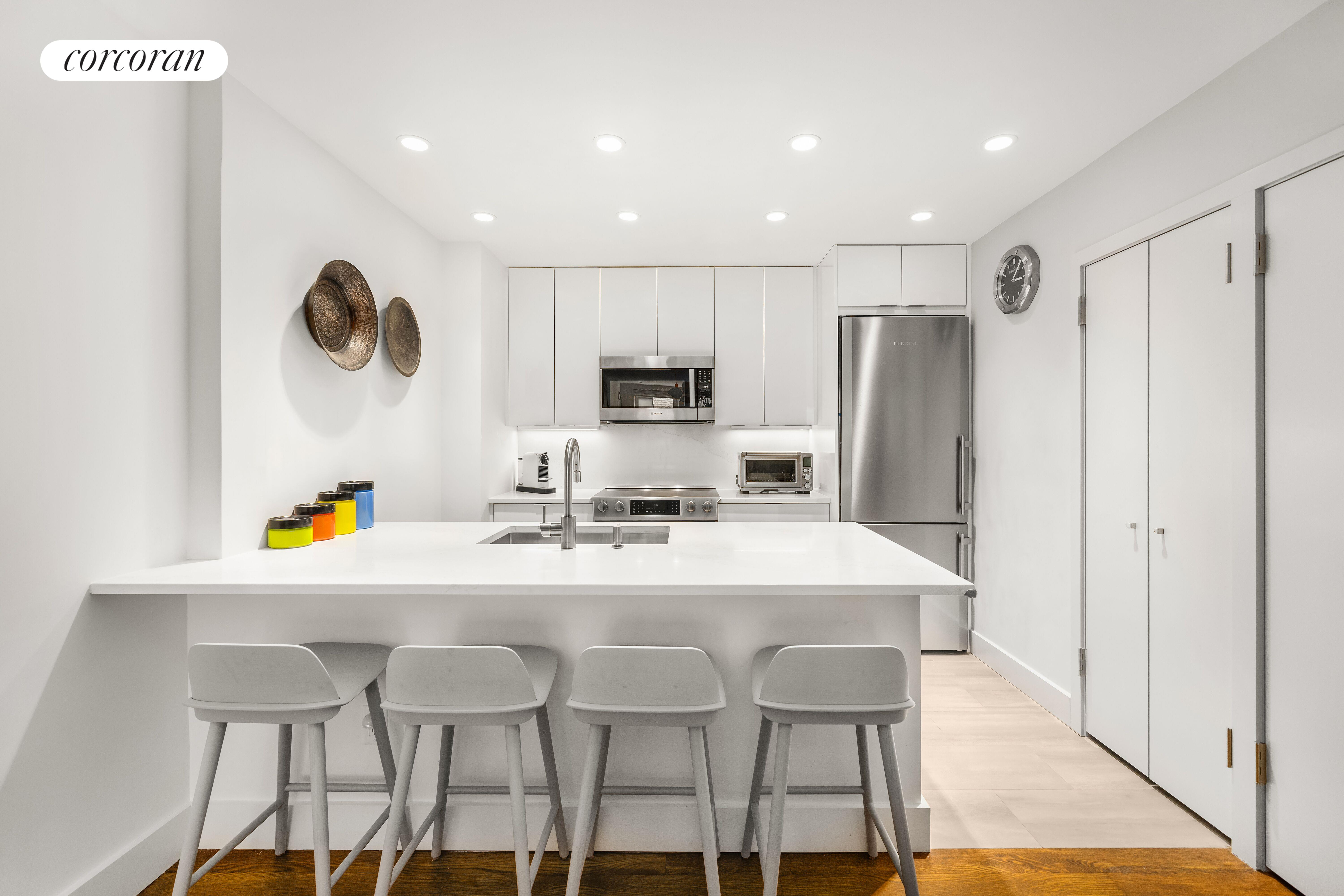 668 WASHINGTON ST, 2A, Dining Room