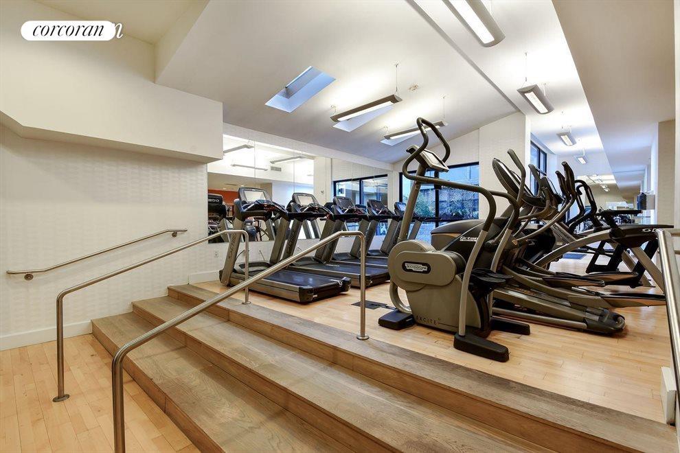 3000 sf gym