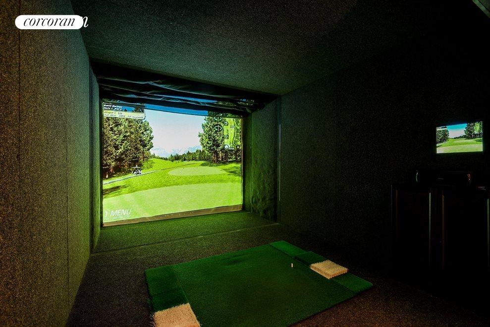Gold simulator room