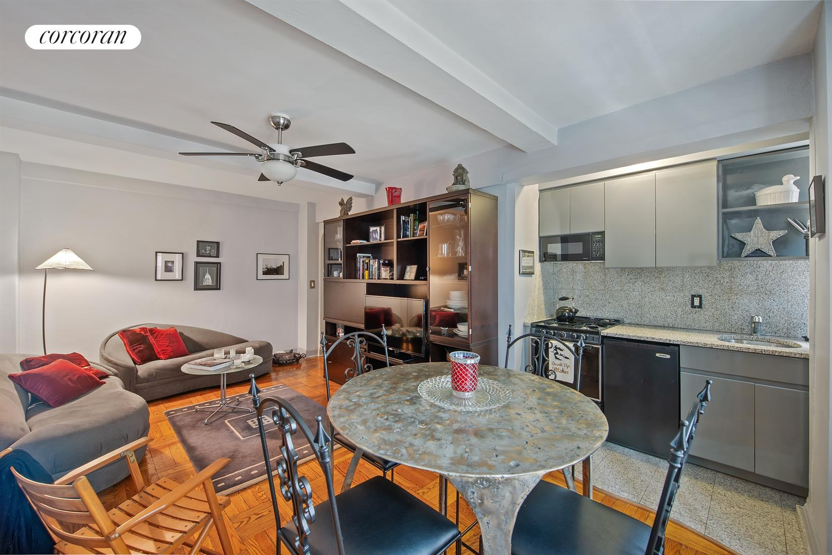 140 East 40th Street, 7A, Living Room